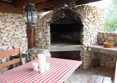 WH 2:1 Uteplats med murad vedeldad grill